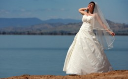 Bridal Magazine Cover 08 wedding photography at Lake Hume by Mount Beauty based photographer Big Bright Photos